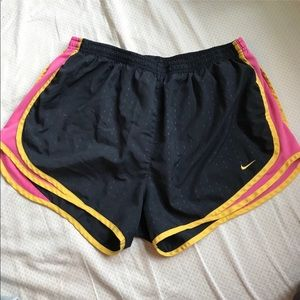 Nike Running Shorts XL